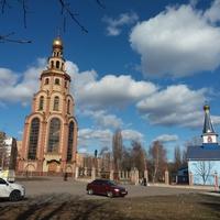 Георгиевская колокольня возле храма Иверской икона Божьей Матери