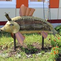 "Скульптура ""Золотая рыбка""."