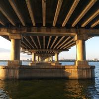 Під новим мостом.