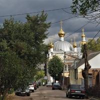 Вид на Акатов  монастырь с ул. Освобождения Труда