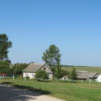 Въезд  в деревню Неверовичи со стороны дороги на  г.Мосты