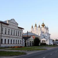 Театральная улица