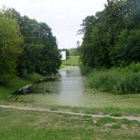 Водяной ров у входа в Брестскую крепость