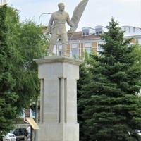 Памятник Красным революционерам