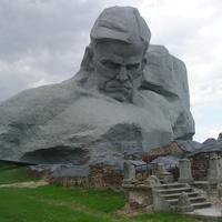 """В Брестской крепости. Монумент """"Мужество"""""""