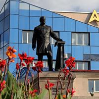 Памятник П.В.Алабину