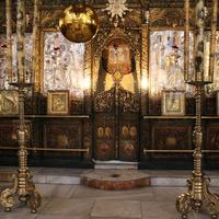 Иконостасы церкви.