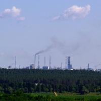 Завод Азот, вид со стороны села Головятино, расстояние 10 км по прямой.