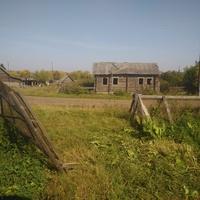 Ул. Большая, старый брошенный дом.