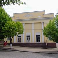 """Здание бывшего детского кинотеатра """"Мир"""".Кинотеатр был введен в эксплуатацию в последний день 1959 года."""
