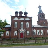Свято-Никольская церковь (вид со стороны деревенской улицы)