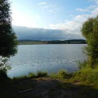 Озеро на р.Кревлянка (на южной окраине Крево у трассы М-7)