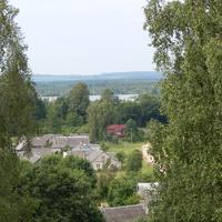 Вид с Юрьевой горы на озеро на р.Кревлянка