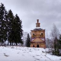 Воскресенская церковь в д. Медведево