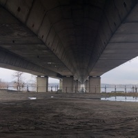 Під Кайдацьким мостом.