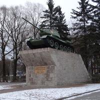 Памятник танк Т-34 Защитникам киришской земли