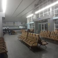 Зал ожидания вокзала станции Синельниково-2.