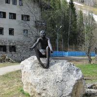 """Скульптура """"Голый мальчик"""""""