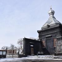 Холм Чести. Мемориал был построен в 1856 году, здесь хоронили русских офицеров, погибших в боях с турками в Крымскую  и Русско-Турецкую войну. Восстановлен в 2010 году.