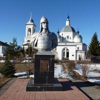 Памятник Александру Невскому в с.Ворша.