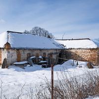 Бывшая школа в селе Супруты