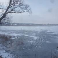 Озеро на реке Осколец около станции Стойленская.
