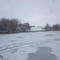 Вид со льда Старооскольского моря на Барановский берег.