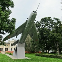 Самолет-памятник МиГ -25ПУ