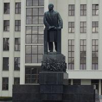 Площадь Независимости. Памятник В.И. Ленину.