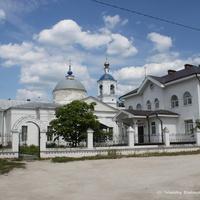 Троицкая и Воздвиженская церкви