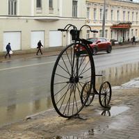 Улица Большая Московская. Велосипед.