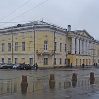 Улица Большая Московская, 33-35. Центр культуры и искусства.