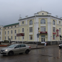 "Улица Ленина, 76. Гостиница ""Сокол""."