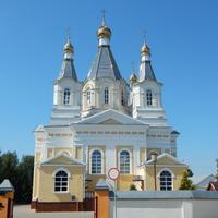 Свято-Александро-Невский кафедральный собор (вид с заднего двора)