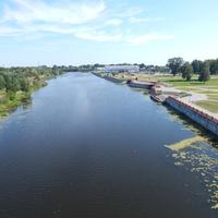 Вид с автомобильного моста на реку Мухавец