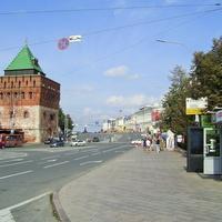 Пл. Минина и Пожарского - Вид на Дмитриевскую башню Кремля