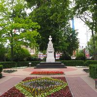 В Кольцовском сквере у памятника Кольцову