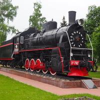 Паровоз Эр 762-91 у  железнодорожного вокзала