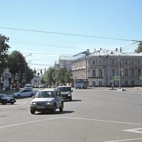 Красная площадь с выходом на улицу Советскую.