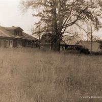 Дома у Воскресенской церкви, 1990 г.