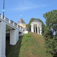Воздвиженский мост на Волжской набережной.