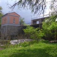 ГЭС села Большая Яблоновка построенная в 1953 году.Вид с левого берега.