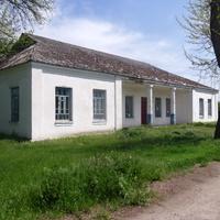 Бывшая школа села Стримовка.