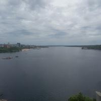 Вид на Днепр со строящегося моста.