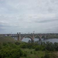 Двухъярусный автомобильно-железнодорожный мост Инженера Преображенского через реку Днепр.