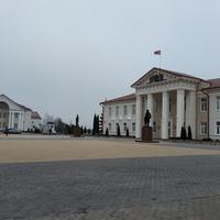Площадь перед райисполкомом г. Логойска