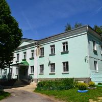 Здание районной больницы.