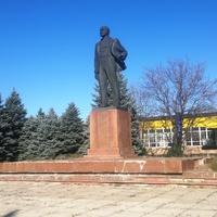 Памятник В.И. Ленину.