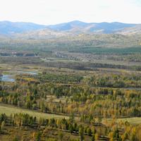 Вид на п. Гайдаровск из горной крепости Чебаки