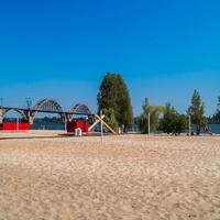 Днепропетровск. Пляж Монастырского острова.